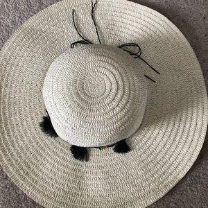 Von Maur Sun Hat